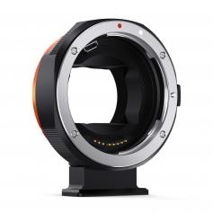 L'obiettivo Canon EF / EF-S per la versione ad alta velocità dell'anello adattatore elettronico della fotocamera Sony E-mount può autofocus